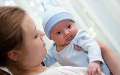 Μικρές και χρήσιμες συμβουλές για τη νέα μαμά