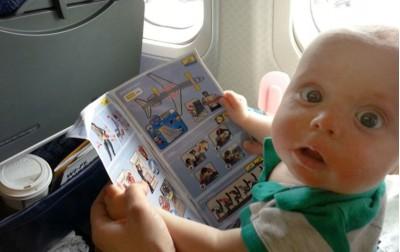Από πότε μπορούμε να ταξιδεύουμε με αεροπλάνο με το μωρό μας;