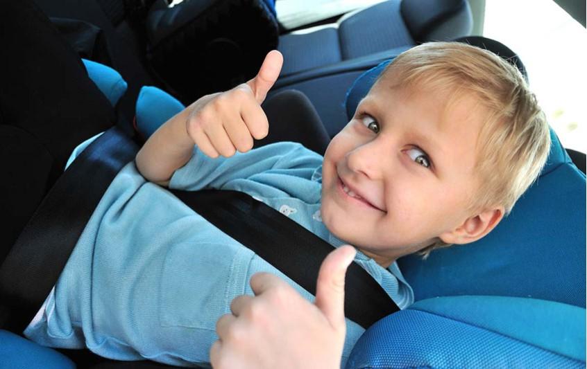 Η ασφάλειά του μωρού στο αυτοκίνητο. Ασφαλής μεταφορά.