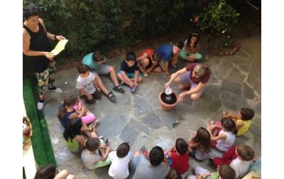 2 παιδάκια κερδίζουν από μία πρόσκληση για το πασχαλινό πρόγραμμα αξίας 100€!
