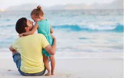 Πατέρας, πατερούλης, μπαμπάς: Πώς έχει διαμορφωθεί η θέση του στον μικρόκοσμο του σπιτιού;