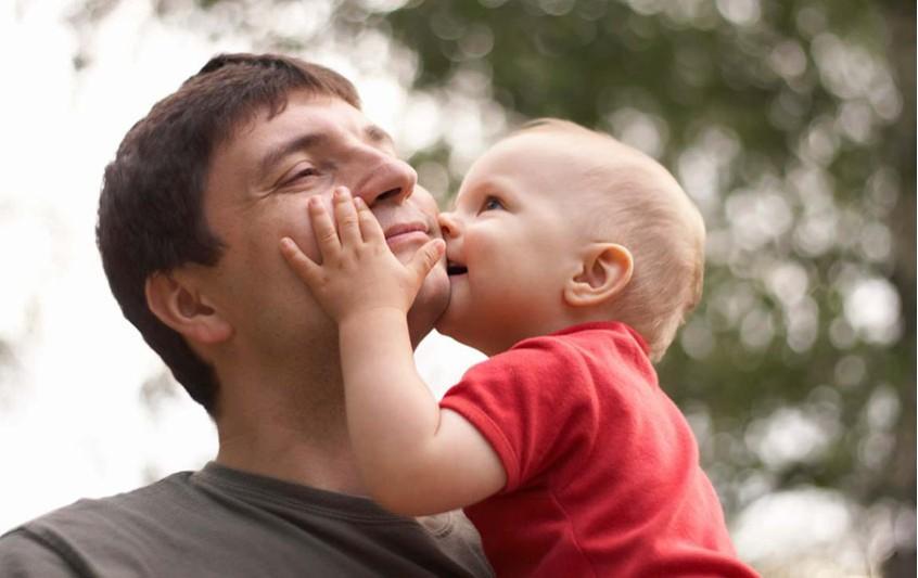 10 Συμβουλές για τη ψυχολογική ανάπτυξη του μωρού σας