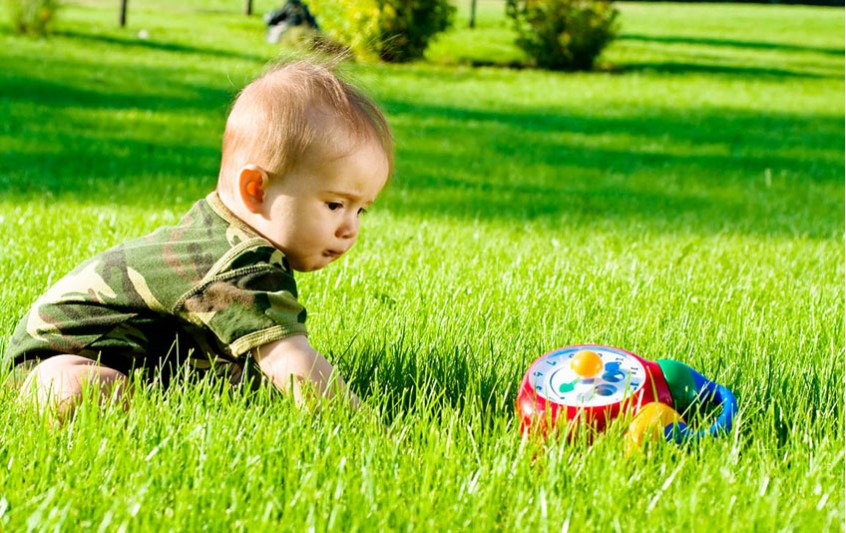 Καλοκαίρι: Πώς να προστατεύσουμε τα παιδιά από τα κουνούπια;