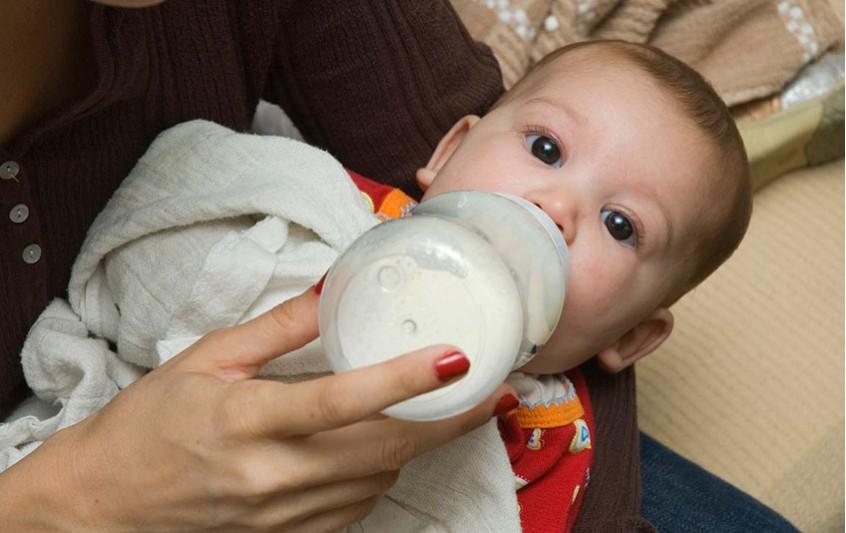 Αποστείρωση σκευών για προφύλαξη του μωρού σας.