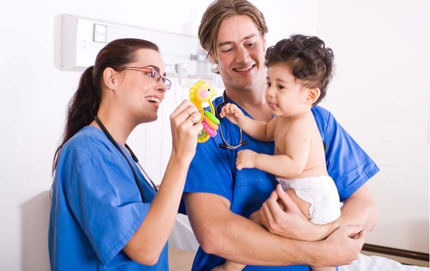 Ποια είναι τα κριτήρια για τη σωστή επιλογή του παιδιάτρου;