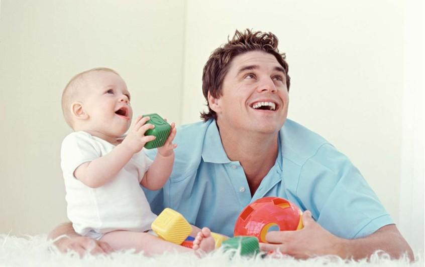 Ο ρόλος και οι αντιδράσεις του νέου πατέρα μετά τον ερχομό του μωρού