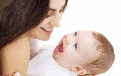 Μικρές συμβουλές για την καθημερινή περιποίηση του μωρού σας