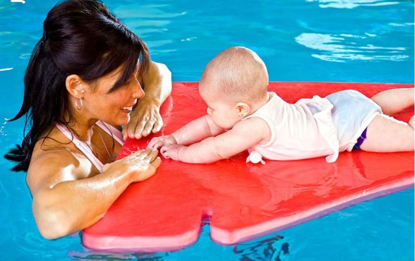 Baby swimming - Kολύμβηση σε βρέφη και νήπια
