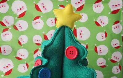 Χριστουγεννιάτικο δέντρο στολίδι με κουμπιά