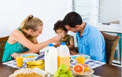 Η υγιεινή διατροφή στα παιδιά & οι ομάδες τροφών της διατροφικής πυραμίδας