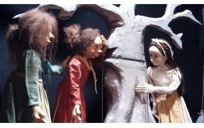 """3 διπλές προσκλήσεις για το κουκλοθέατρο """"Τα Μαγικά Σεντούκια"""""""