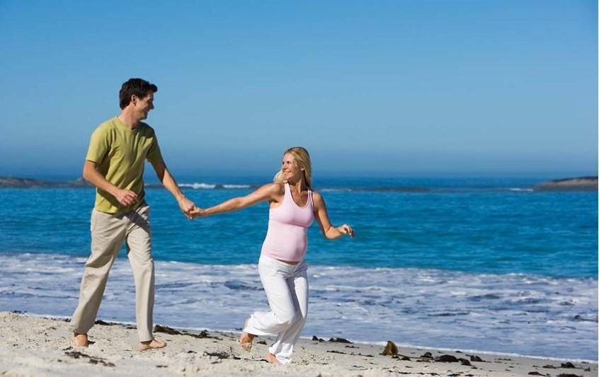 Εγκυμοσύνη και καλοκαίρι. Τι απαγορεύεται, τι επιτρέπεται.