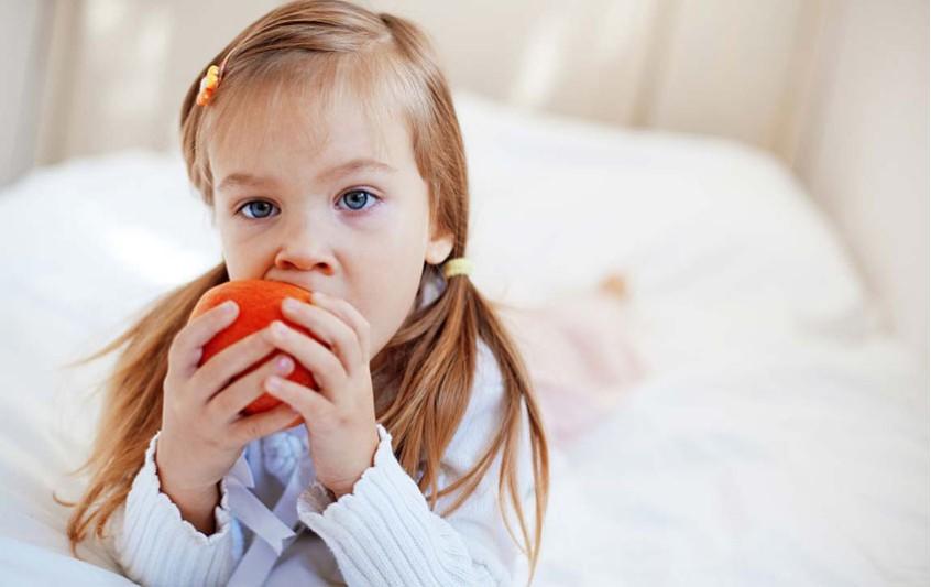 Πώς μπορώ να παροτρύνω το παιδί μου σε ένα πιο υγιεινό τρόπο διατροφής;
