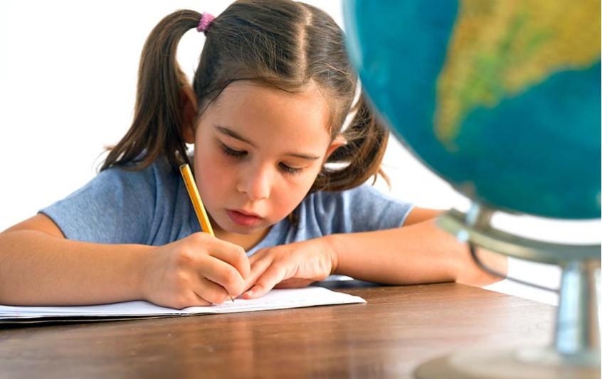 Πώς μπορώ να βοηθήσω το παιδί μου να προσαρμοστεί στο σχολείο;