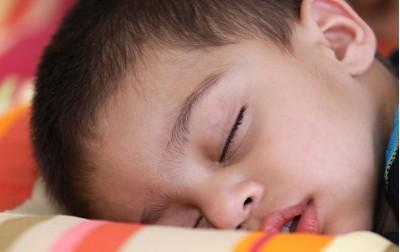 Νυχτερινή ενούρηση στα παιδιά. Πώς να την αντιμετωπίσετε.
