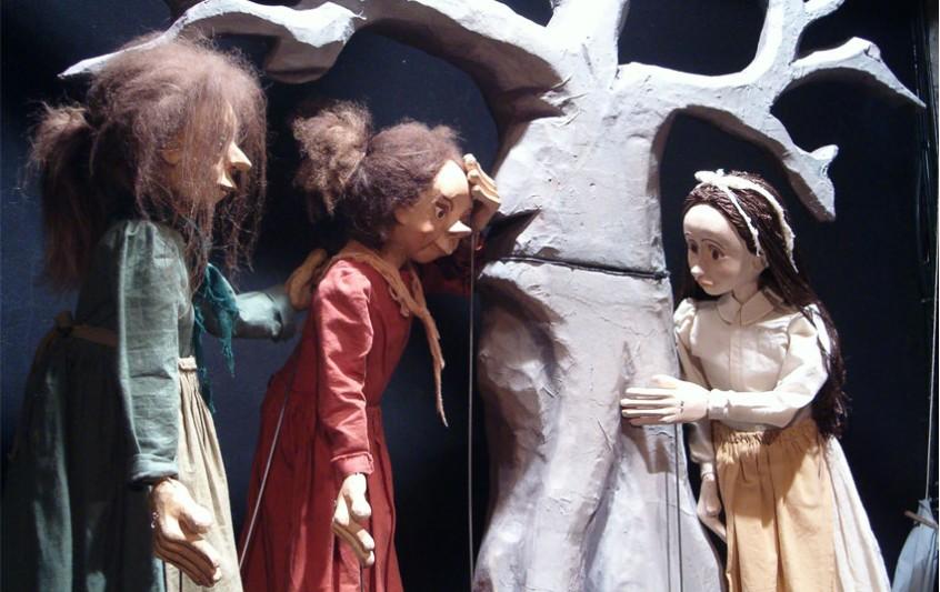"""Το κουκλοθέατρο """"Τα μαγικά σεντούκια"""" στο Εργαστήρι Μαιρηβή"""