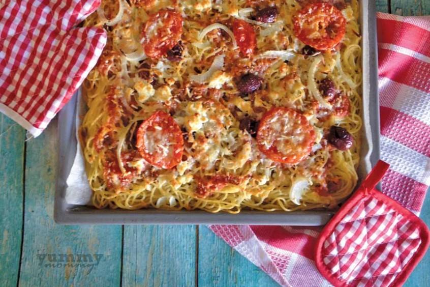 Χωριάτικη πίτσα-μακαρόνια
