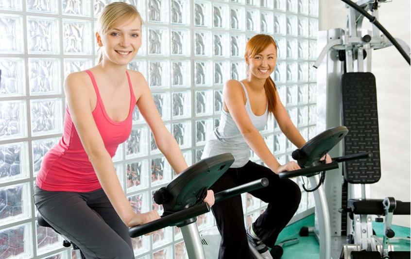 Γυναικείες γεννητικές ορμόνες και σωματικό βάρος στην εφηβεία